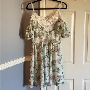 White flower lace off the shoulder dress
